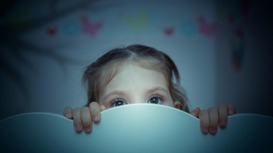 what to do if your toddler is afraid of the dark