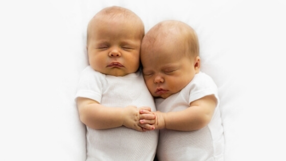sleep arrangements for twins